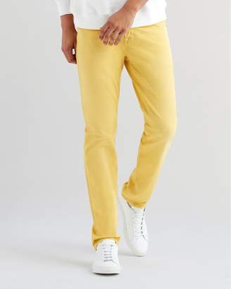 7 For All Mankind Total Twill The Straight with Clean Pocket in Dusty Yellow