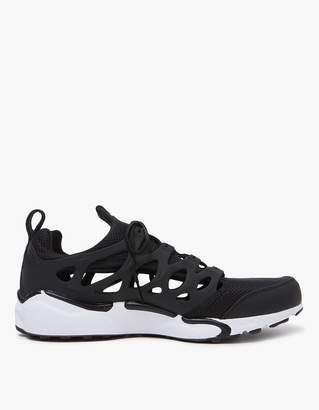 Nike Chalapuka in Black