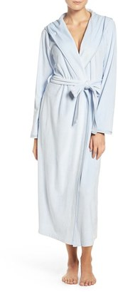 Women's Nordstrom Lingerie Hooded Plush Robe $79 thestylecure.com