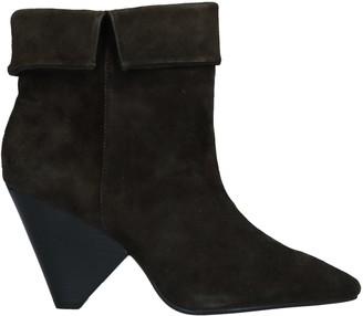 Lola Cruz Ankle boots