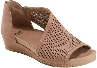 Earth R) Capricorn Wedge Sandal