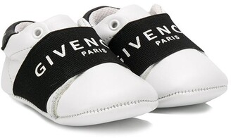 Givenchy Kids logo trim sneakers