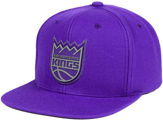 Mitchell & Ness Sacramento Kings Zig Zag Snapback Cap