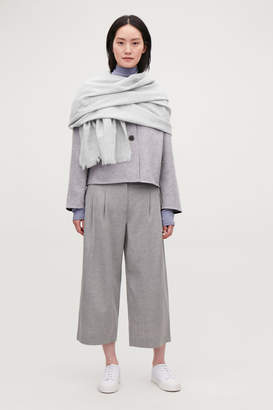 Cos LARGE WOVEN WOOL SCARF