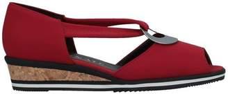 Brunate Sandals