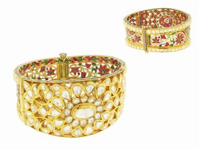 Arunashi Large Indian River Diamond and Enamel Cuff Bracelet in 22 Karat Gold