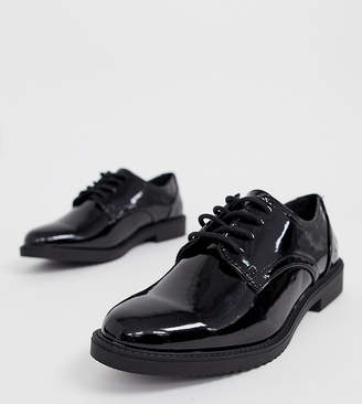 eaf37bac99 New Look Wide Fit patent chunky brogue in black