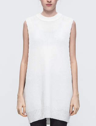 Low Classic White Loose Sleeveless Knit Top