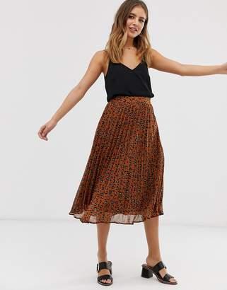 Brave Soul kele pleated midi skirt in leopard