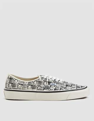 Vans Authentic 44 DX Sneaker in OG White Square Root