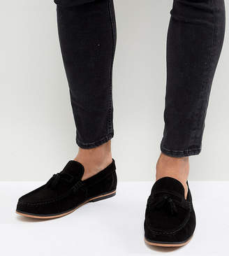 3bcf8b8c6f8 Asos Design DESIGN Wide Fit tassel loafers in black suede with natural sole