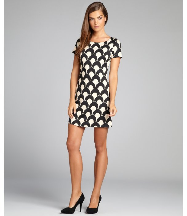 Julie Brown JB by black and ivory scallop print short sleeved stretch jersey dress