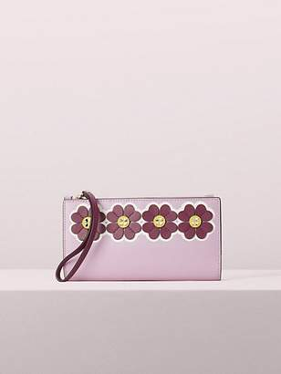 Kate Spade Sylvia Graphic Clover Applique Large Continental Wristlet, Orchid
