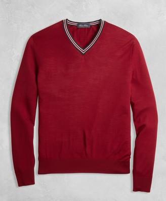 Brooks Brothers Golden Fleece 3-D Knit Merino Fine-Gauge V-Neck Sweater