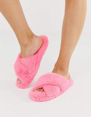 b3b2b9f9c363 Neve Asos Design ASOS DESIGN cross strap fluffy slider slippers in pink