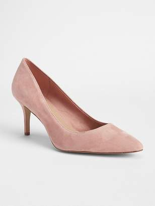 Gap Classic Pumps in Suede