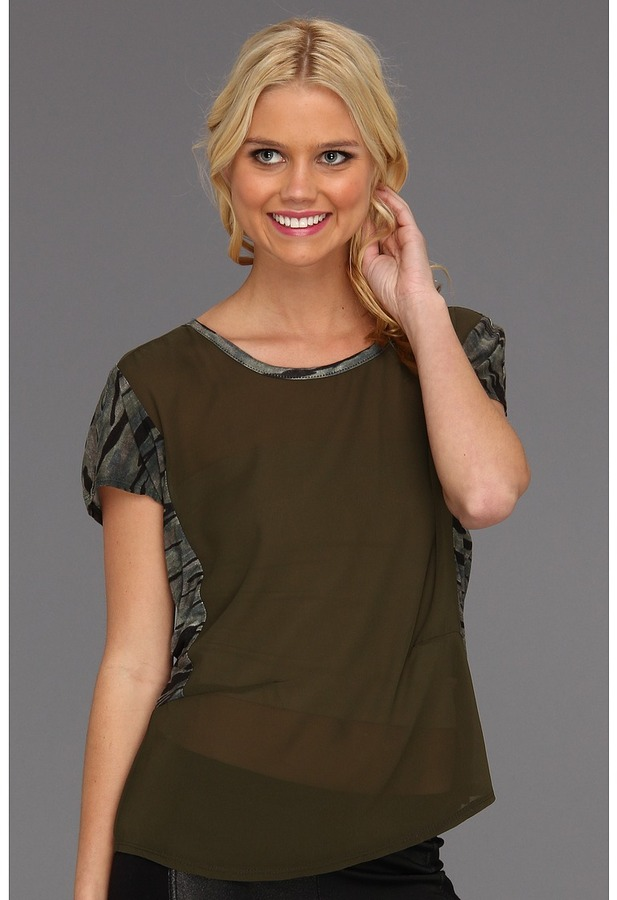 Type Z Remma Top (Camouflage) - Apparel