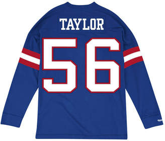 Mitchell & Ness Men Lawrence Taylor New York Giants Retro Player Name & Numer Longsleeve T-Shirt