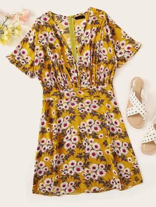 Shein Frilled Cuff Daisy Print Plunging Dress