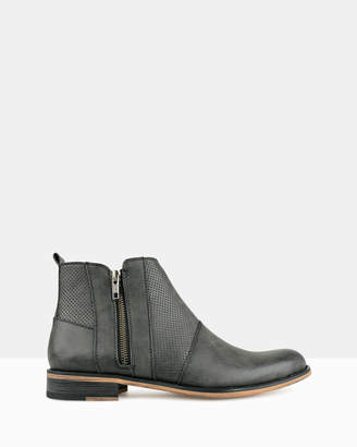 betts Base Zip Up Ankle Boot