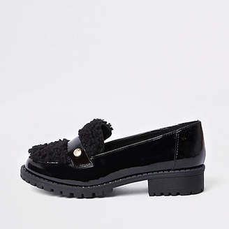 River Island Girls Black patent faux fur loafers