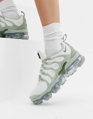 921ac215e4 Nike Grey Air Vapormax Plus Trainers