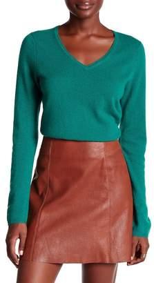 In Cashmere V-Neck Cashmere Sweater $225 thestylecure.com