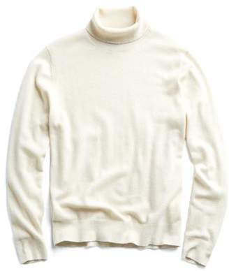 Todd Snyder Cashmere Turtleneck in Ivory