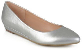 Journee Collection Wacy Flat