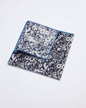 Lore Beltiza Pocket Square