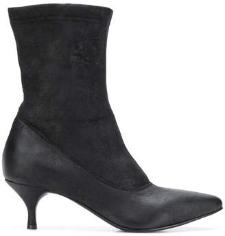 Strategia Carla Jones ankle boots