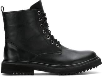 Uma Raquel Davidowicz Oscar combat boots