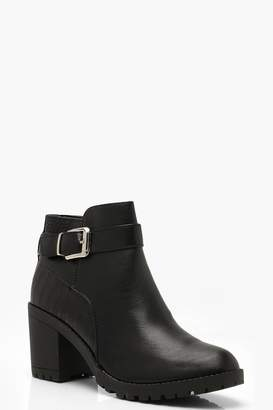 129f0bc71ddc boohoo Croc Panel Block Heel Chelsea Boots