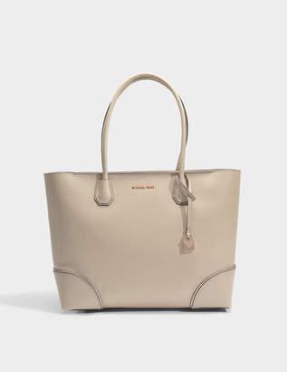 MICHAEL Michael Kors Mercer Gallery Large East-West Top Zip Tote Bag in Oat Mercer Pebble Leather