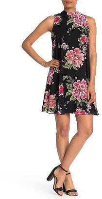 Robbie Bee Sleeveless Floral Print Dress