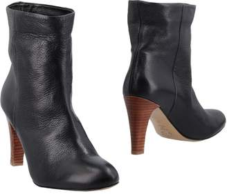 Nora Ankle boots
