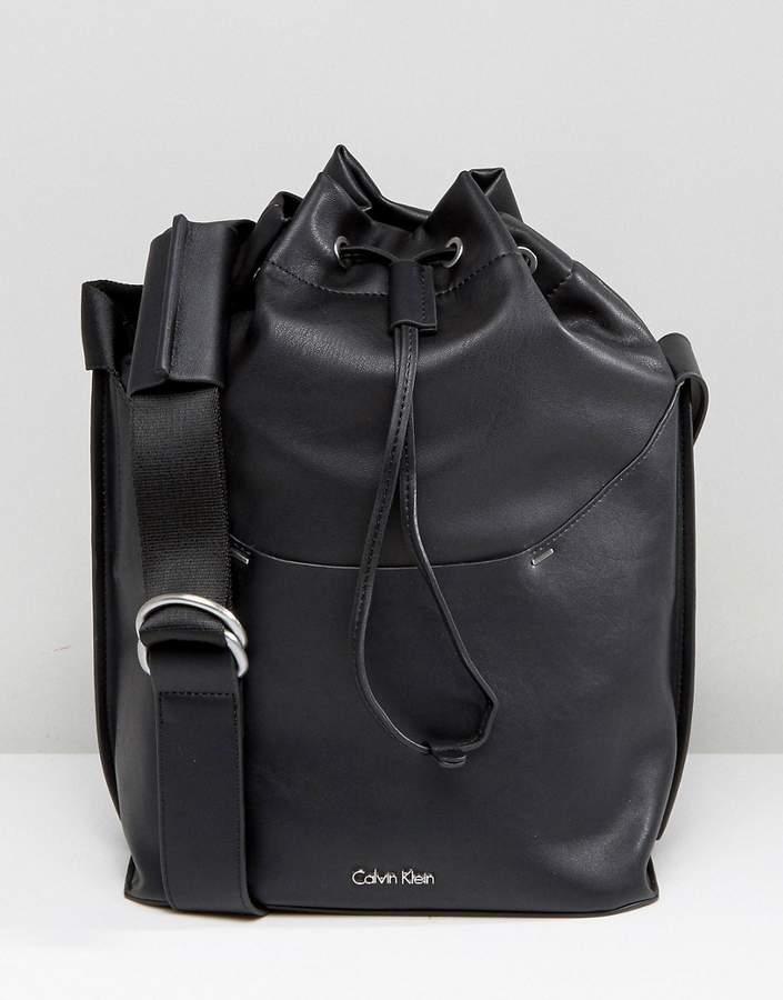 Calvin KleinCalvin Klein Drawstring Bucket Bag