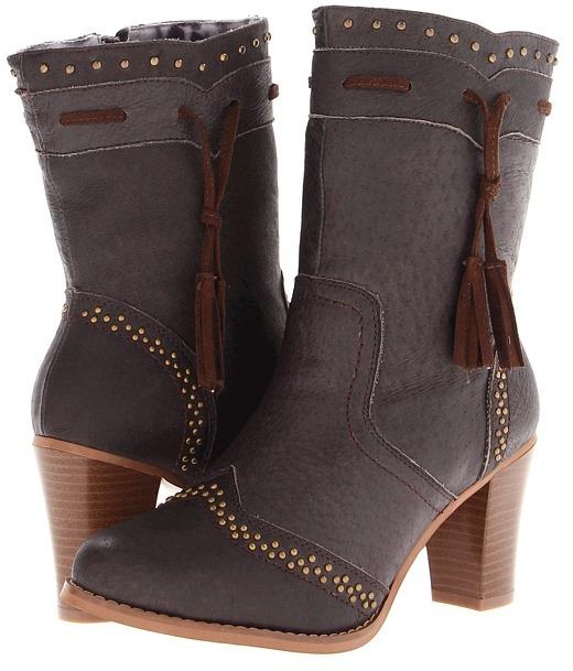 Dingo Sassie (Brown) - Footwear