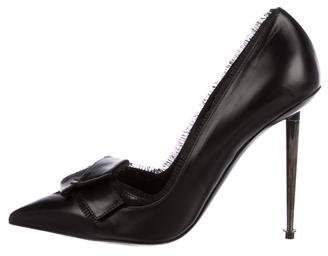 Tom Ford Leather Bow Pumps