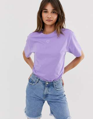 Monki oversized crew neck t-shirt with heart logo in lilac