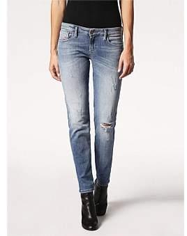 Diesel Gracey Low Rise Super Slim Skinny Jean With Knee Slit