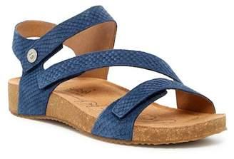 Josef Seibel Tonga Leather Sandal $125 thestylecure.com