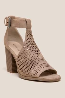Indigo Rd Priella T-Strap Peep Toe Heel - Beige