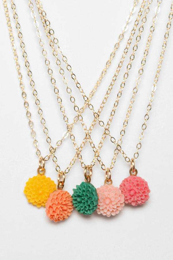 Diament Jewelry for Urban Renewal Vintage Tiny Flower Necklace