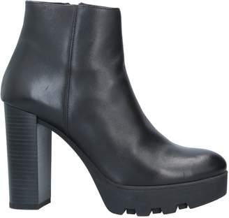 Geste Proposition Ankle boots - Item 11726617PN