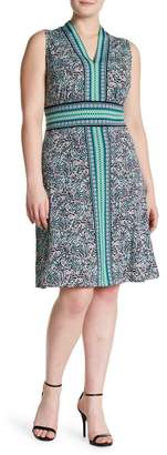 London Times V-Neck Sleeveless Patterned Dress (Plus Size)