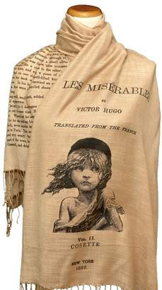 HUGO Universal Zone Les Misérables by Victor Shawl Scarf