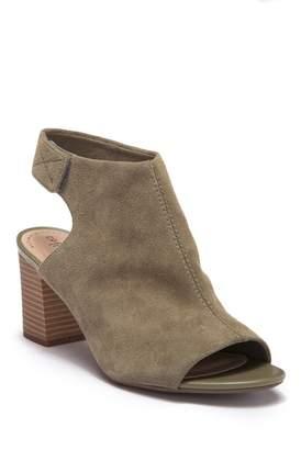 Clarks Deva Bell Open Toe Sandal