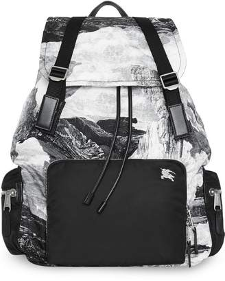 Burberry The Extra Large Rucksack in Dreamscape Print