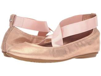 Taryn Rose Edina Women's Shoes